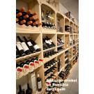 Met wijnrekken Kabinett creeert u veel opslag- en presentatieruimte. Zoals de Spaanse winkel La Sonanta in Zottegem hier laat zien.